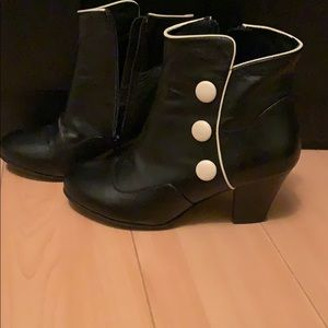 Lola Ramona black ankle boots with white buttons
